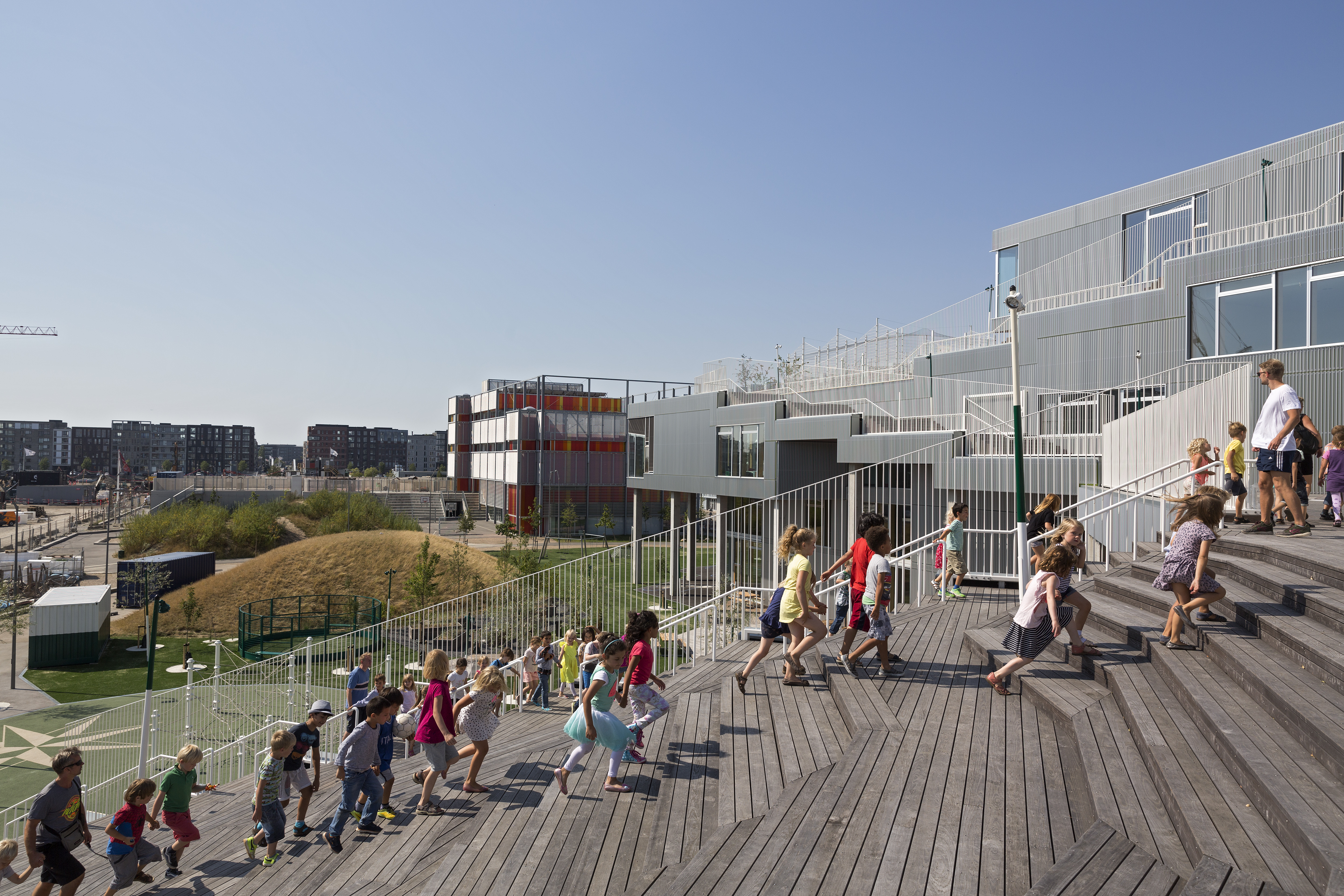 Photo of South Habour School by JJW Architects. Photo credit: Torben Eskerod